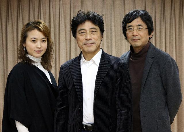 『ペリクリーズ』写真左から加藤忍、加藤健一、鵜山仁