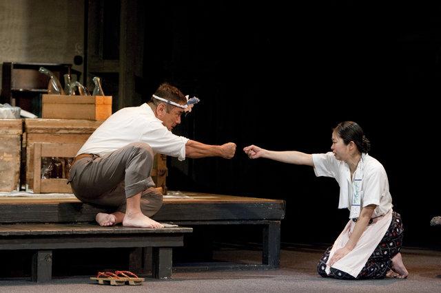 辻萬長、栗田桃子『父と暮せば』