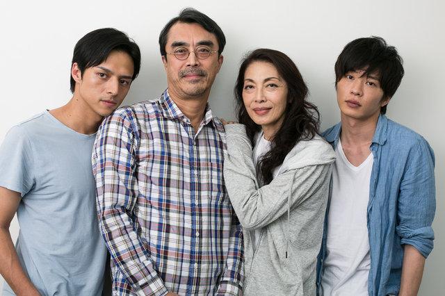 『夜への長い旅路』麻実れい、田中圭、満島真之介、益岡徹インタビュー!「作品にパワーを与えるのはお客様。濃密な家族のドラマをぜひ観に来てください」