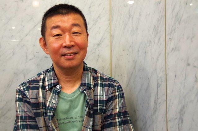 舞台に軽トラ、油まみれ・・・『GS近松商店』鄭義信インタビュー「人間の生きるエネルギーを感じていただければ」