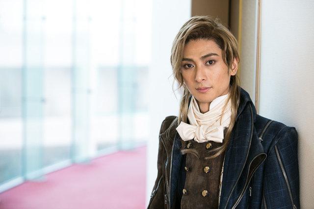 ミュージカル『1789 -バスティーユの恋人たち-』ロベスピエール役の古川雄大にインタビュー!「明日が分からない状況がロベスピエールと重なります」