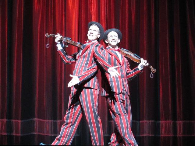 【動画】アダム・クーパーとジョナサン・チャーチ登場!『SINGIN'IN THE RAIN』会見<2>