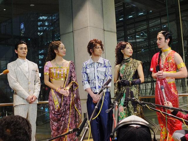 【動画】『ボンベイドリームス』初日前記者会見「日本風のカレーを召し上がれ!」