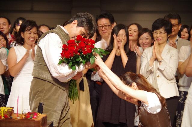【動画】公開稽古中にまさかの!『ラ・マンチャの男』松本幸四郎バースデーサプライズ