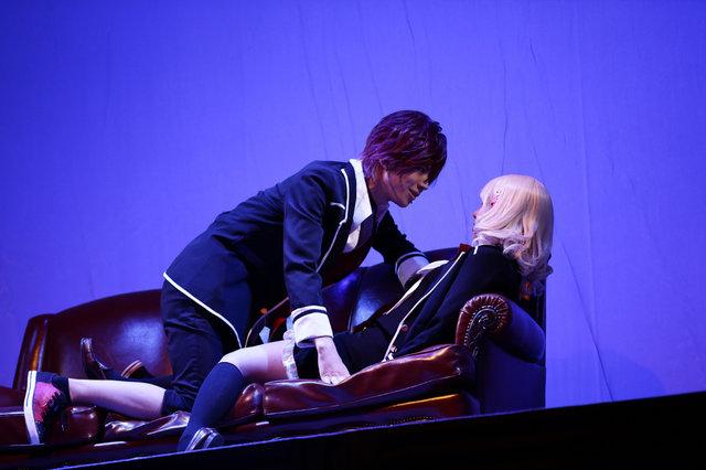 【動画】セクシーすぎる吸血シーン!舞台『DIABOLIK LOVERS』公開ゲネプロをチラっと見せ
