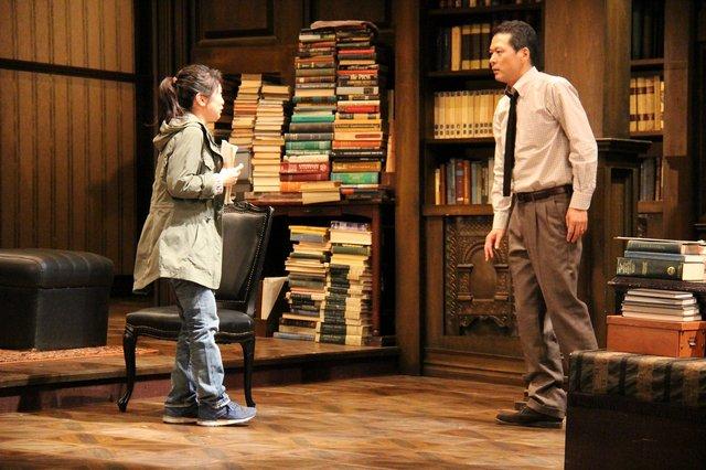 果てなく続く男と女の平行線!舞台『オレアナ』公開ゲネプロをチラッと見せ!