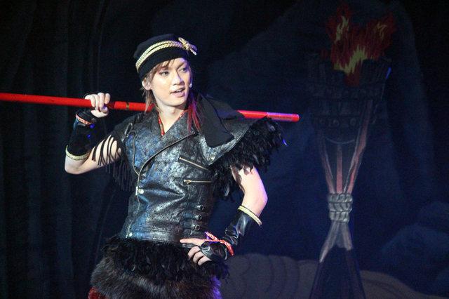 【動画】金爆・喜矢武豊がサルさながらの大暴れ!舞台『GOKU』公開ゲネプロをチラッと見せ