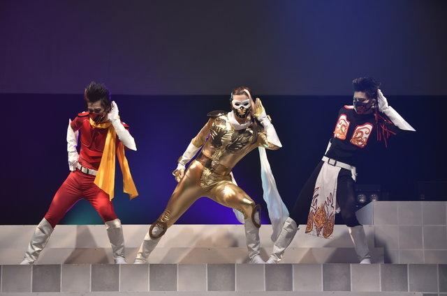 """【動画】これが大人の""""ごっこ遊び""""だ!『烈!バカフキ!』舞台の模様をチラッと見せ"""