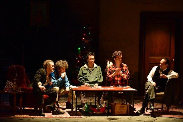 初演から5年…小日向文世ら5人が再結集!!舞台『海をゆく者』