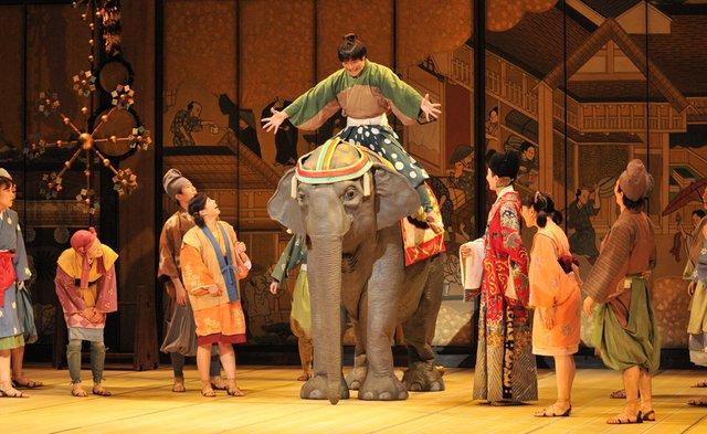 ミュージカル『むかしむかしゾウがきた』公演中!