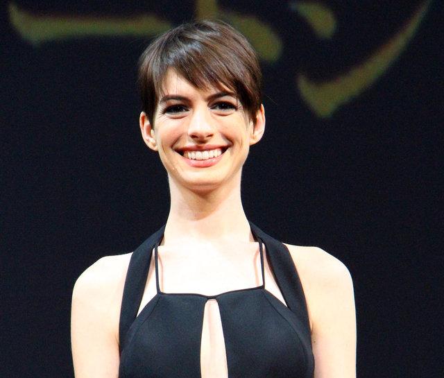 『レ・ミゼラブル』アン・ハサウェイ、オフブロードウェイの一人芝居『Grounded』に出演決定!