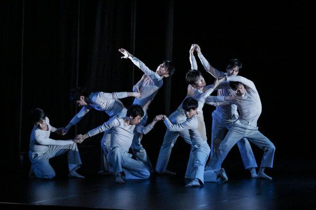 坂東玉三郎×DAZZLE 変幻自在なダンスパフォーマンスから目が離せない『バラーレ』