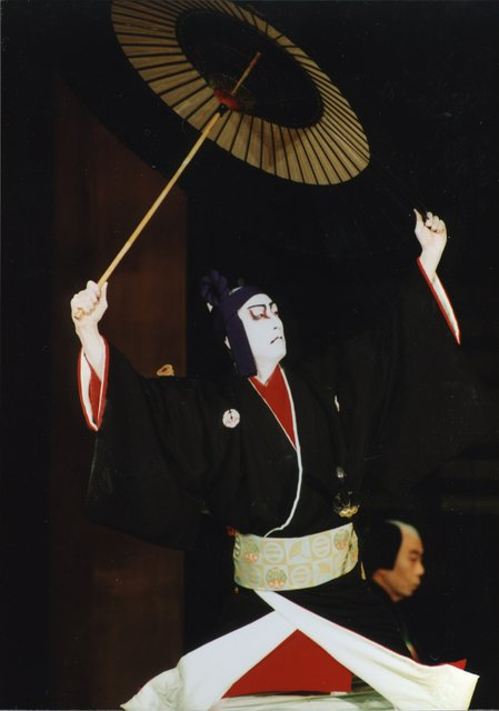 『助六曲輪初花桜』