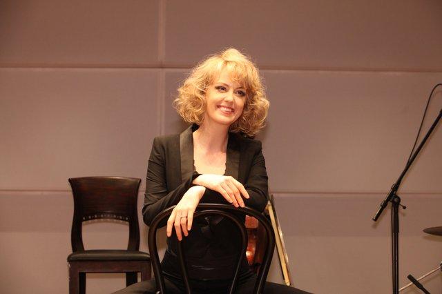 『マッサン』のエリー、生歌披露に「めっちゃ緊張した!」ミュージカル『シカゴ』記者会見