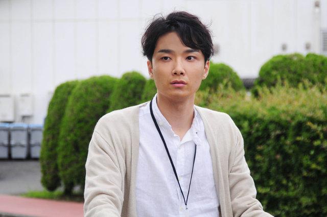 井上芳雄、『連続ドラマW 海に降る』に出演!帝国劇場に集まったファン2000人の前で発表!