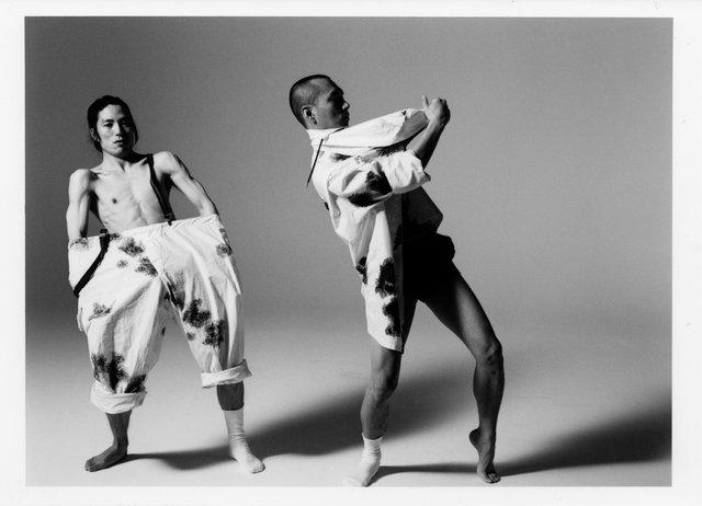 日韓二人の同世代ダンサーが写真家・アラーキーの世界に挑む!『原色衝動』9月上演