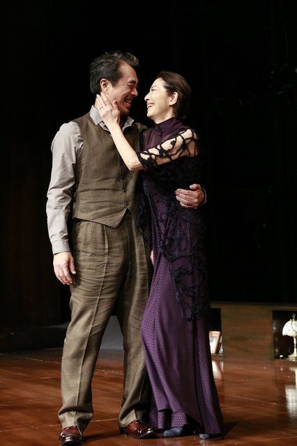 演劇史上最高の自伝劇、『夜への長い旅路』初日開幕レポート