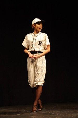 柚希礼音『プリンス・オブ・ブロードウェイ』衣装パレード