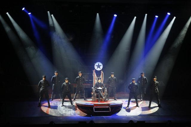 残酷歌劇『ライチ☆光クラブ』開幕!河原雅彦と中村倫也より初日コメント到着