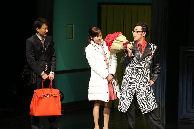 黒木瞳3年ぶりの舞台主演で華麗にタップ!『GURU(グル)になります。~平浅子と源麗華の一週間~』開幕