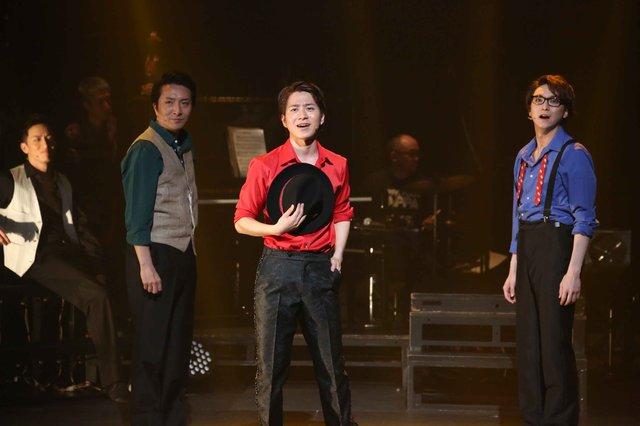 村井良大、平方元基、大空祐飛らがいざなうハッピーなソング&ダンスショー!『SHOW ル・リアン』開幕レポート