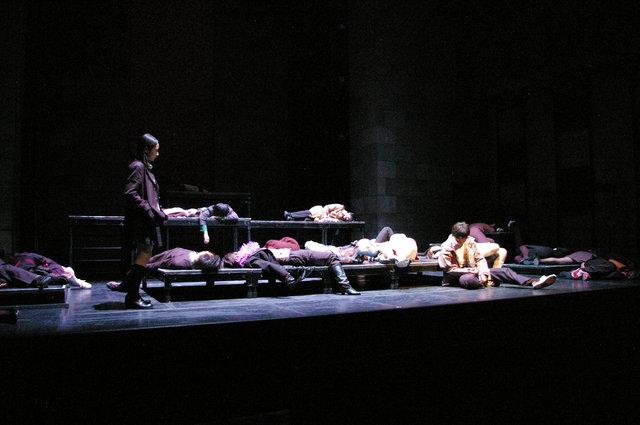 『サバンナの掟』舞台写真