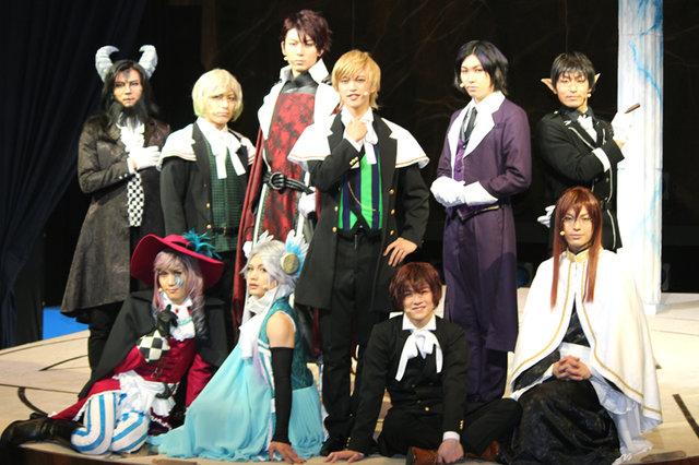 ミュージカル『魔界王子 devils and realist』開幕!石渡真修、鮎川太陽らがファンタジーの世界を作りこむ
