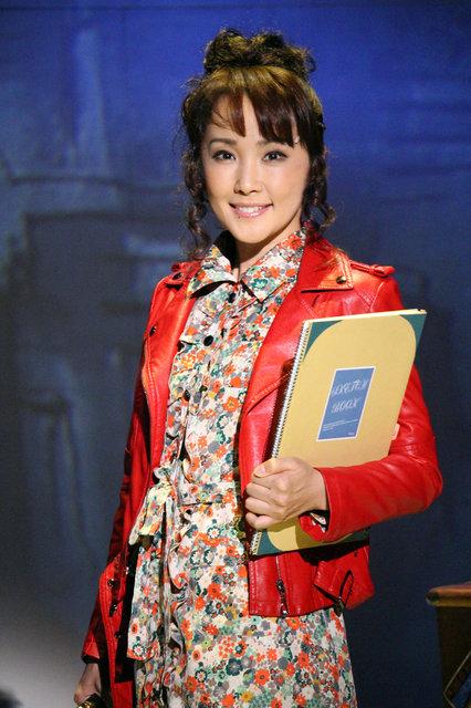 濱田めぐみ活動20周年!ソロミュージカル『Tell Me on a Sunday~サヨナラは日曜日に~』が開幕