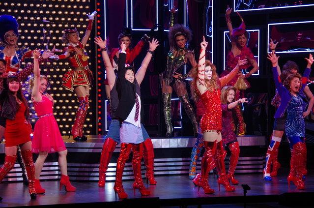 小池徹平&三浦春馬が真っ赤なブーツで世界をカラフルに!ブロードウェイミュージカル『キンキーブーツ』ゲネプロレポート