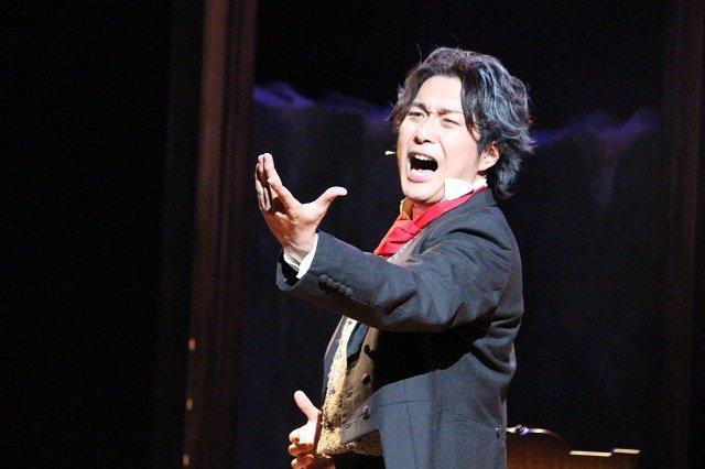 大山真志がベートーヴェンの真の姿を歌う!『英雄の運命』開幕