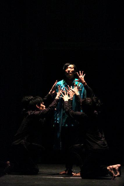 DAZZLE 結成20周年『鱗人輪舞(りんド・ロンド)』観客の選択が結末を決める「マルチエンディング方式」の新たな試み