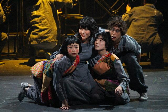 森山未來×松たか子×串田和美でSF映画の金字塔が現代日本演劇界に新生!舞台『メトロポリス』公演レポート