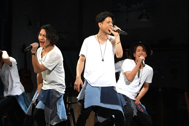 舞台『カフェ・パラダイス』レポート!中村誠治郎、藤田玲らがカフェで繰り広げる人間ドラマ