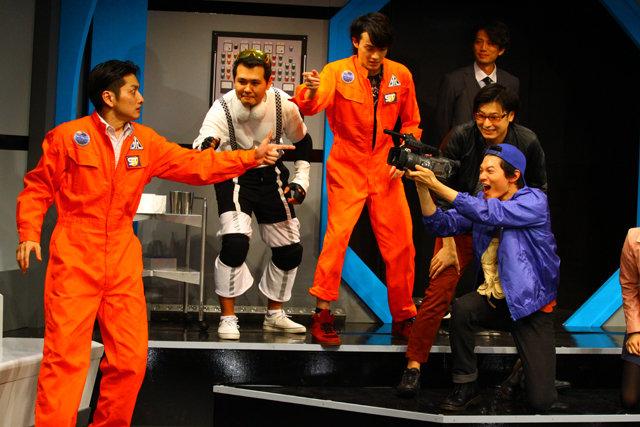 宇宙を舞台に「嘘」と「誤解」の応酬が笑いの渦を生む!WBB『スペーストラベロイド』ゲネプロレポート