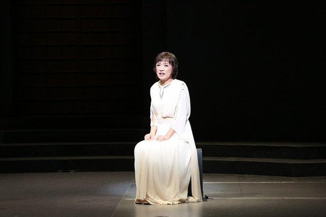 浅利慶太プロデュース公演『アンチゴーヌ』開幕レポート