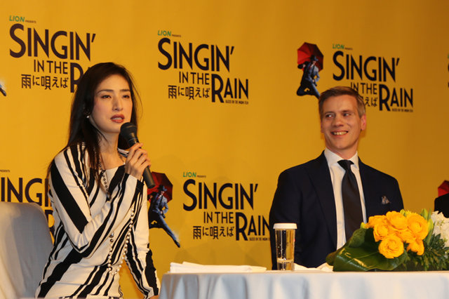 『SINGIN'IN THE RAIN~雨に唄えば~』アダム・クーパー&天海祐希_2