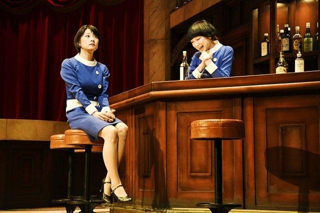 『陥没』舞台写真_小池栄子&緒川たまき