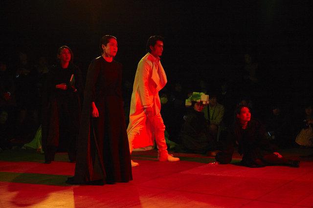 『SAFARING THE NIGHT/サファリング・ザ・ナイト』舞台写真_5