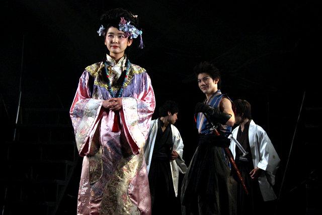 『龍よ、狼と踊れ』舞台写真_2