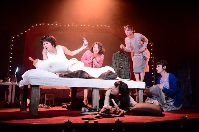 アラサー女の生き様が、深く優しくコミカルに現実をえぐる『野良女』公演レポート!