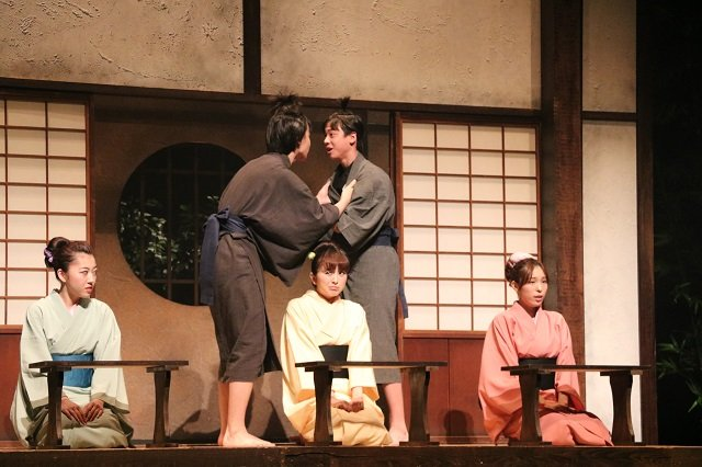 AKB48小嶋菜月、NMB48松村芽久未、荒井レイラらが演じる女の子たちの青春!『咲くは江戸にもその素質』舞台写真到着