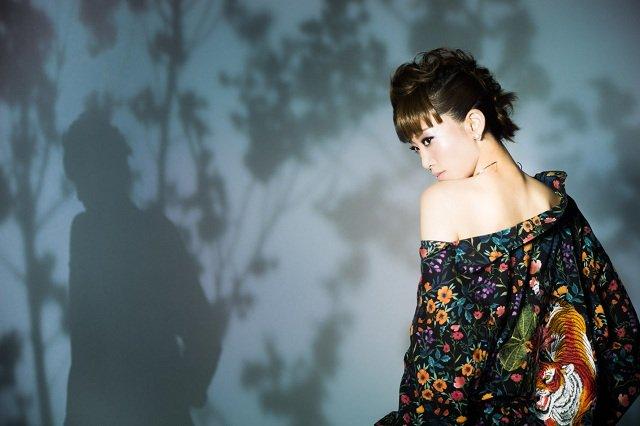 龍真咲ディナーショー『MUSE』惜しげもないスタイルで圧倒的な歌唱力を披露