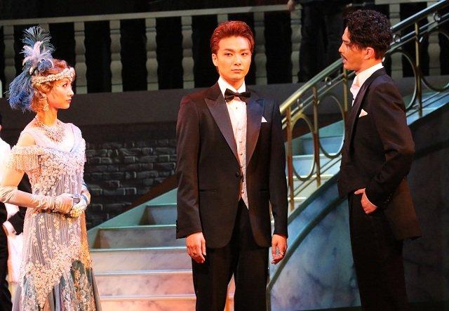 『グレート・ギャツビー』舞台写真_7(提供:東宝/梅田芸術劇場)