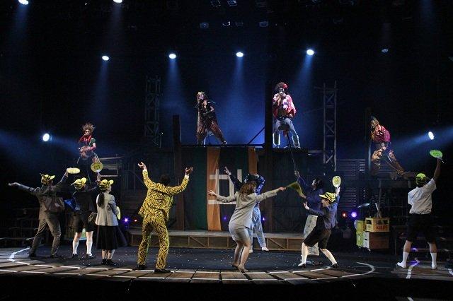 歌舞伎、ロック、阪急電車・・・!劇団鹿殺し電車二部作『電車は血で走る』ゲネプロレポート!