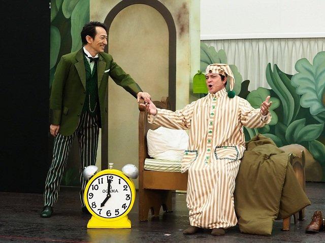 川平慈英×鈴木壮麻「おっさん二人がステージ上を駆け回っている(笑)」ミュージカル『フロッグとトード』公開稽古