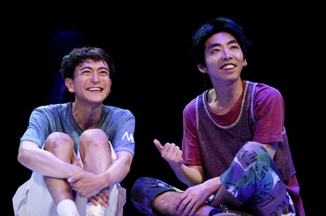 柄本時生と篠山輝信が紡ぐ、狂気と切なさがつまったひと夏の冒険譚!『チック』公演レポート