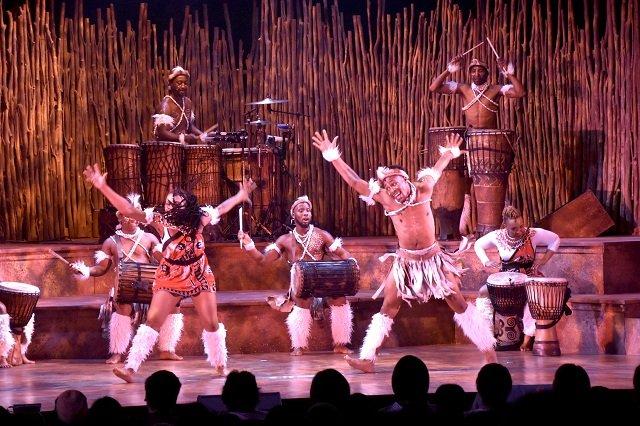 日本公演10周年!体験型ドラムエンタテインメント『ドラムストラック』幕開レポート