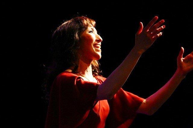 水夏希がアルゼンチンを代表する女性エビータを演じる『ラストダンス―ブエノスアイレスで。』公演レポート