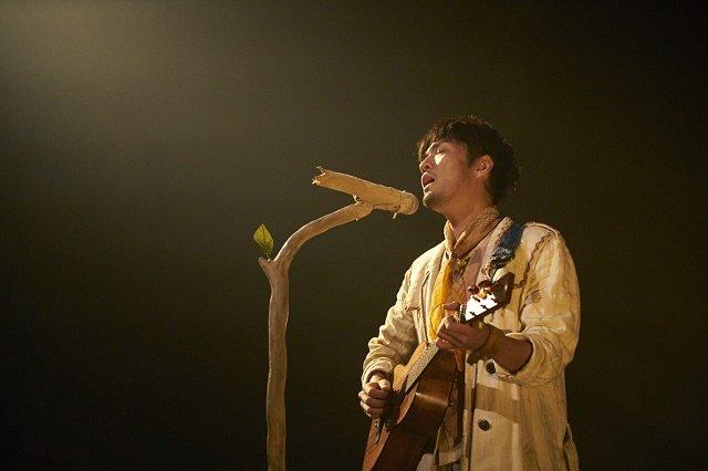 森山直太朗の劇場公演「あの城」10月22日にWOWOWで放送!トレーラー映像を公開