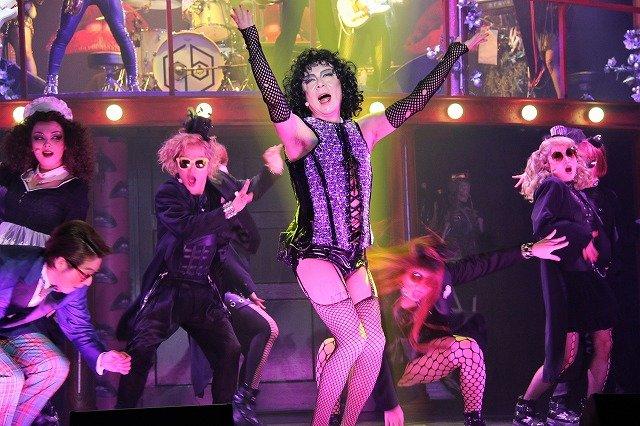 「古田新太は絶対本番でやってはいけないことを稽古でやる」と河原雅彦が暴露!ミュージカル『ロッキー・ホラー・ショー』開幕